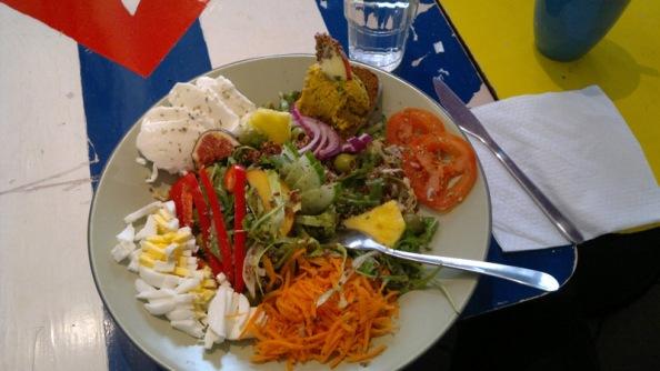 Eka salaatti Hängmattanissa